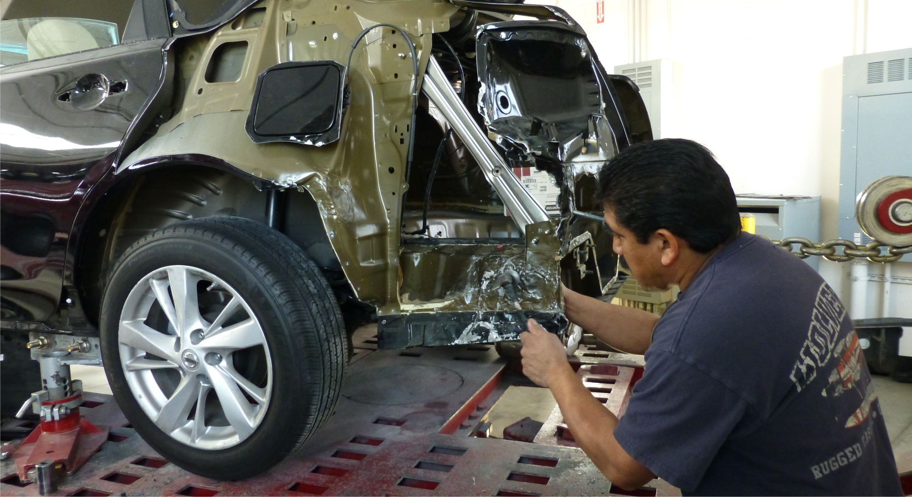 Body, Paint and Collision Repairs in Oxnard, Ventura, Thousand Oaks counties in California